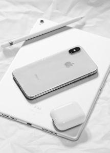 back-to-school-apple-ipad-iphone-stylus-airpods
