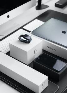 back-to-school-apple-watch-macbook-iphone-computer