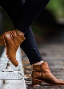 back-to-school-steve-madden-ankle-boots-brown-autumn